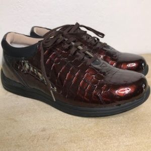 Drew Tulip Lace Up Loafers